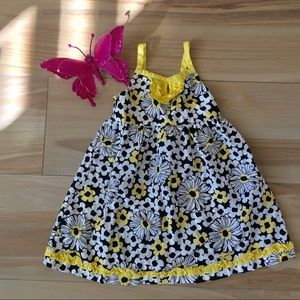 Other - Adorable black and yellow flower dress